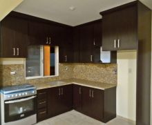 L-SHAPE PLASTIC CABINETS WITH GRANITE TOP